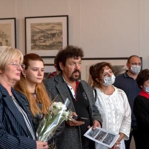 «Дорогами жизни». Выставка рисунков Геннадия Намеровского в Смоленске
