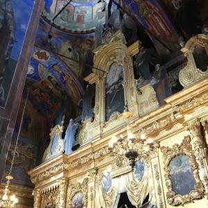 Подкупольное пространство и верхняя часть барочного иконостаса 1750г.