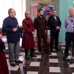 «Музыка цвета». Выставка произведений Мухадина Кишева в Грозном.
