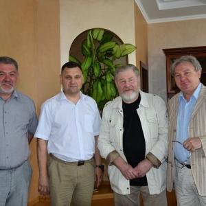 Рабочий визит Первого вице-президента РАХ Виктора Калинина на Алтай.